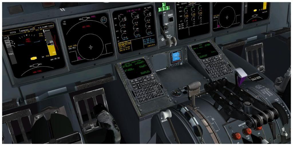 Boeing 737-700 & McDonell Douglas MD-11 F TNCMKMIA06-11-1104-2