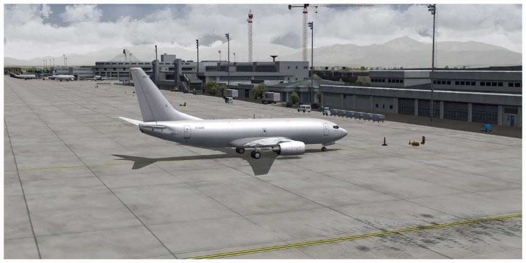 Boeing 737-700 & McDonell Douglas MD-11 F TNCMKMIA06-11-1109