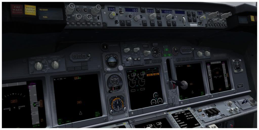 Boeing 737-700 & McDonell Douglas MD-11 F TNCMKMIA06-11-1110-3