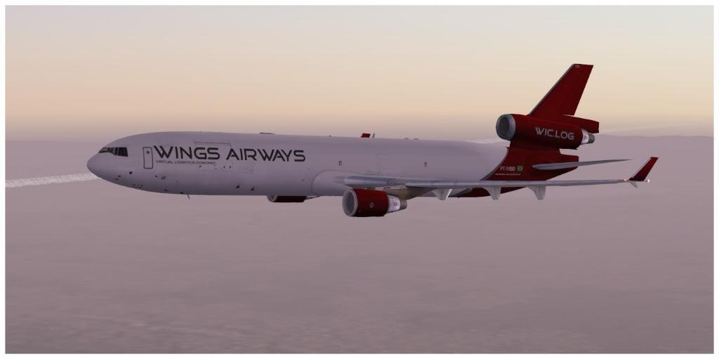 Boeing 737-700 & McDonell Douglas MD-11 F TNCMKMIA06-11-1123