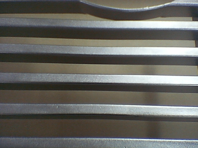 Driver quality grill. 006-10