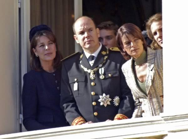S.A.S. el Príncipe Alberto II de Mónaco - Página 2 Fx77t3
