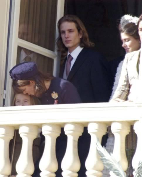 S.A.S. el Príncipe Alberto II de Mónaco - Página 2 Fx78l0