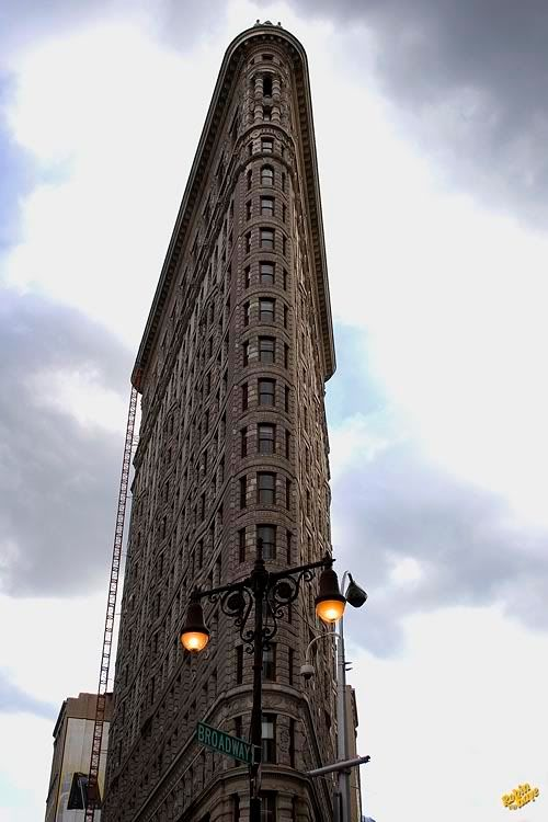 The Flat Iron Building 10-2006_NYC_608sky