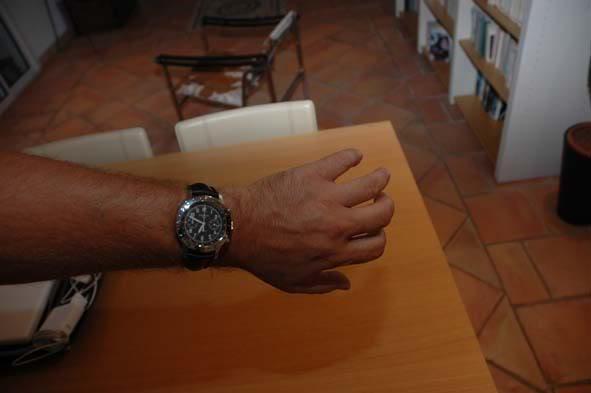 Comment portez-vous votre montre bracelet cuir ? DSC_0018