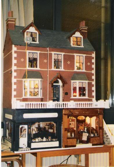 my dolls houses etc Victoriahouseatnight