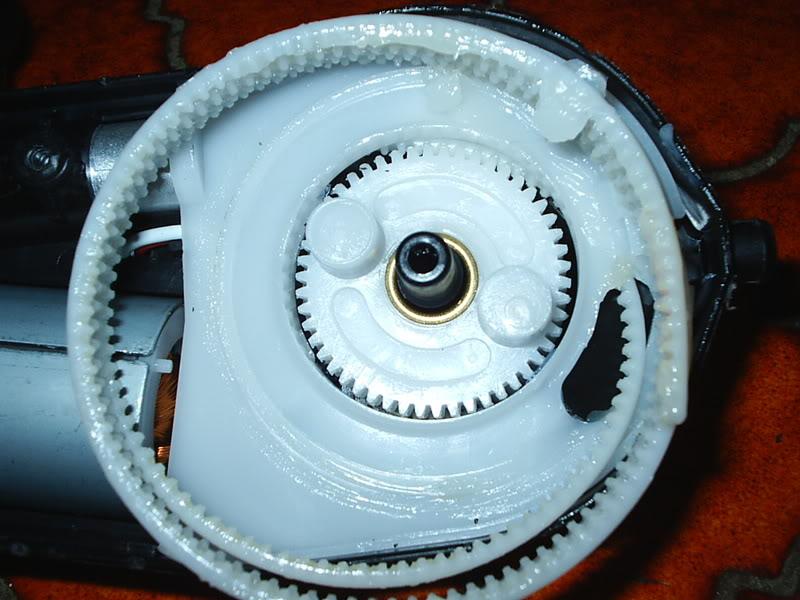[ ANTENA ] Antena eléctrica de sustitución de marca Hirschmann PIC_0035-3