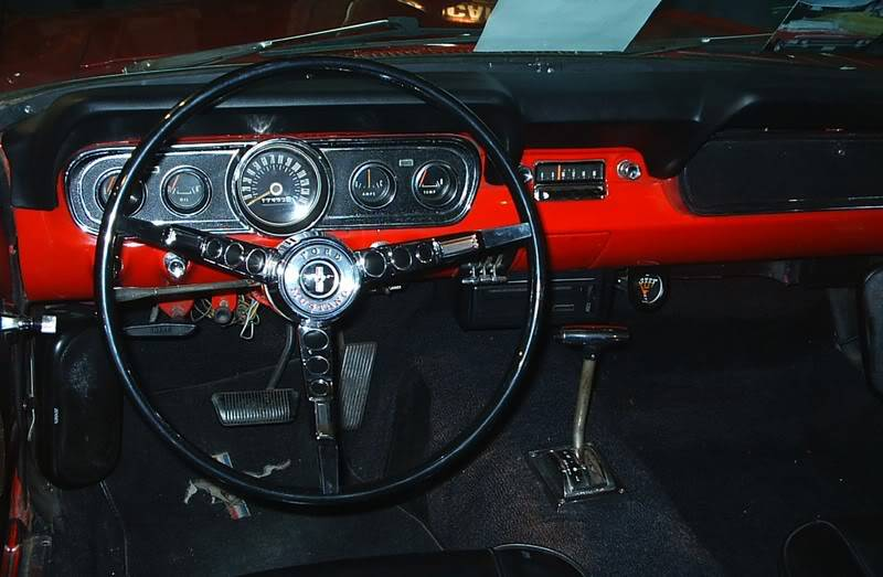 [ FOTOS ] Retromóvil 2006 MUSTANGrouge2