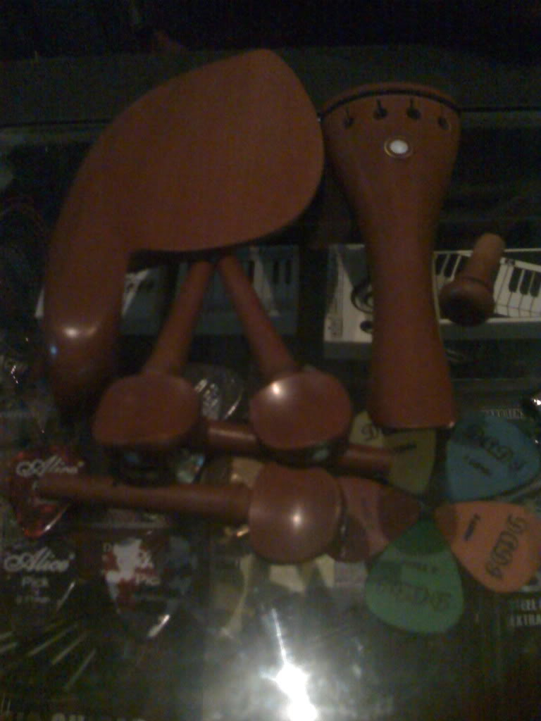 [BOW, FITTINGS, SHOULDER REST, ROSIN] Violin Accessories - Page 3 Diyozah_moto0240