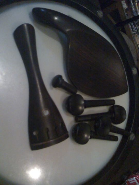 [BOW, FITTINGS, SHOULDER REST, ROSIN] Violin Accessories - Page 3 Diyozah_moto0244