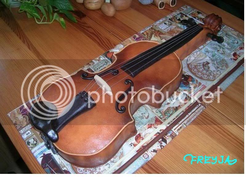 Birthday Thread - Page 5 Violincake1