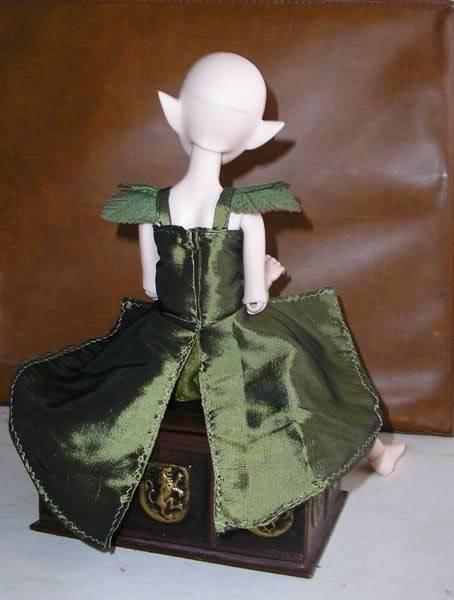 [Atelier des Fays] 5/10 : ensemble d'hiver pour Bella (tiny) Robe-verte-dos