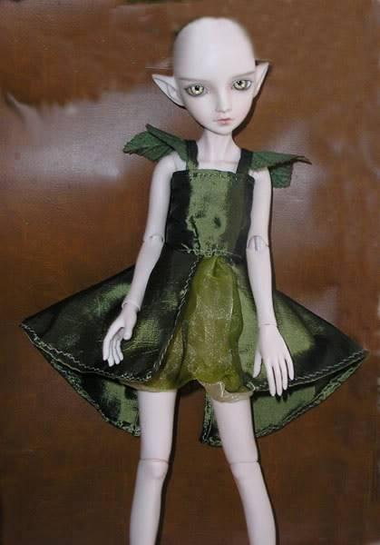 [Atelier des Fays] 5/10 : ensemble d'hiver pour Bella (tiny) Robe-verte-face