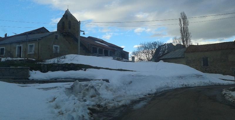 Seguimiento de nieve en pueblos/parajes de la CC - Página 7 20160402_195019_zpsqmbc9pom