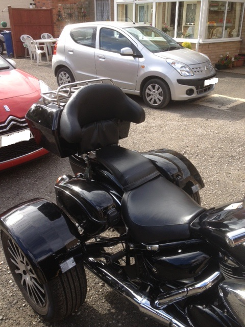 Top box & saddlebags just fitted .......... 2007 Suzuki M800 Trike Topbox3