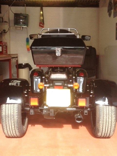 Top box & saddlebags just fitted .......... 2007 Suzuki M800 Trike Topbox4