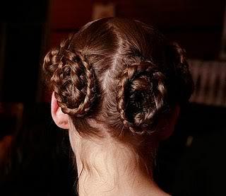 Peinados de pasarela: recogidos con trenzas Trenzas6