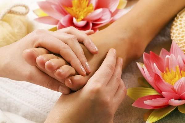 Terapias alternativas: Reflexoterapia - Yoga prenatal FootMassage_01
