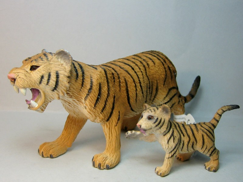 Some new Bullylands for 2013 :-) Tigers13_zpsf1056b93