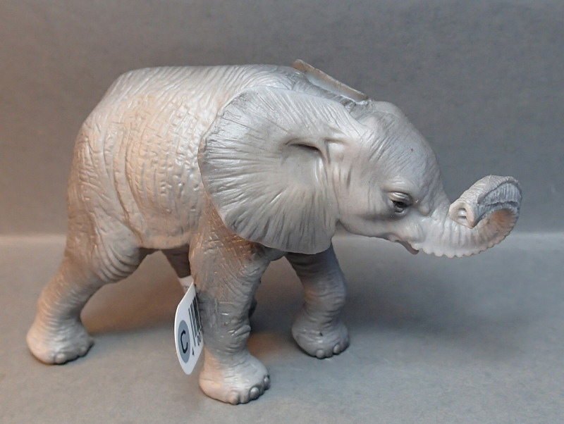 Susanne's Bullyland additions - Page 8 Bullywelefantbaby3_zps8ab1b367