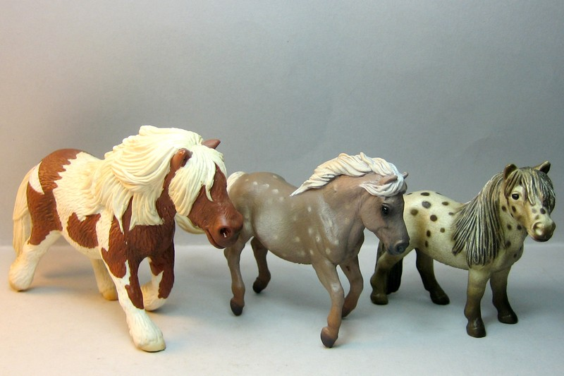Some new Collecta horses released in February 2013 Compareponies_zpsb1b6a3f0