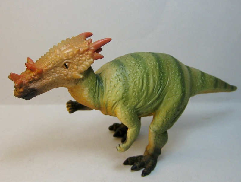 A dracosaurus, crocosaurus, mightysaurus and a palaeontologist :-) Dracorexcollecta_zps33bb56c3