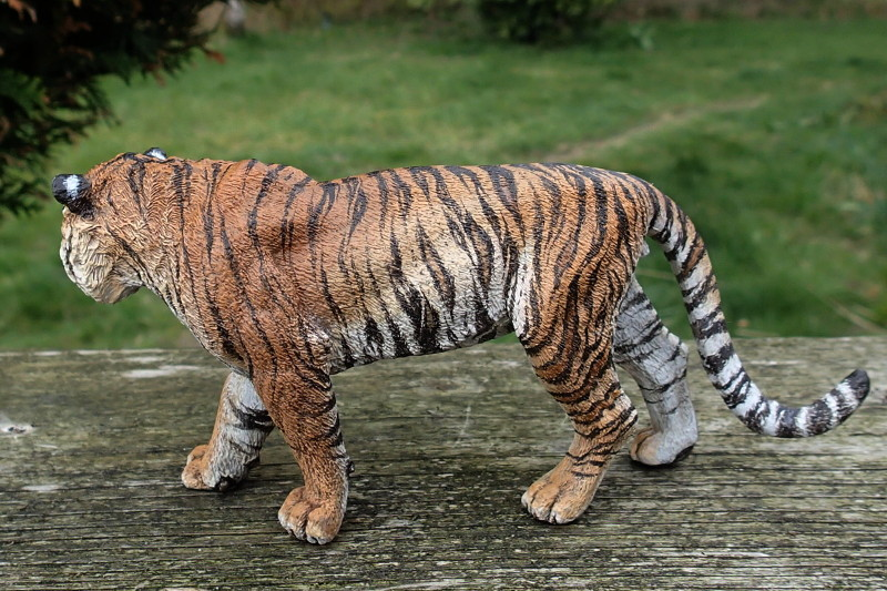 Repainting a TIGER in ``Kosta`s style`` :D - Page 4 TigroOutLeft_zpsklkxtzmy