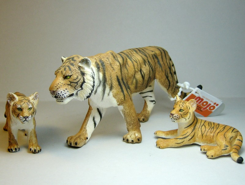 Fantastic gift from James, - and other mew Mojos :-) Mojotigers