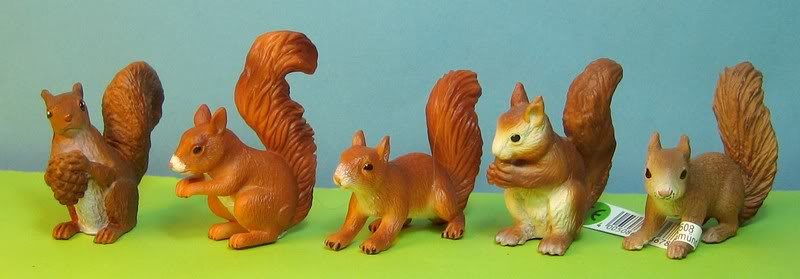 The catalogue and thre little beauties :-) Squirrels5