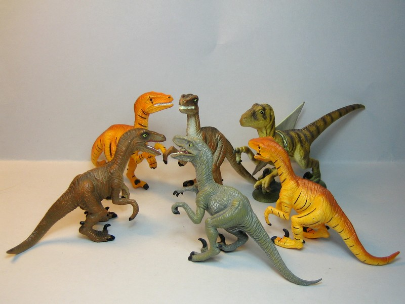 The sea lion, and new variants of the giraffe and the Velociraptors , - marvellous package from Croger :-))) Velociflock