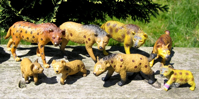 Hyenas from Bullyland :-) Hyenas1