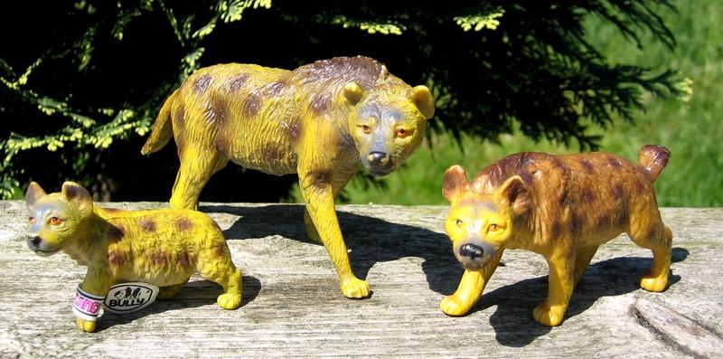 Hyenas from Bullyland :-) Hyenas4