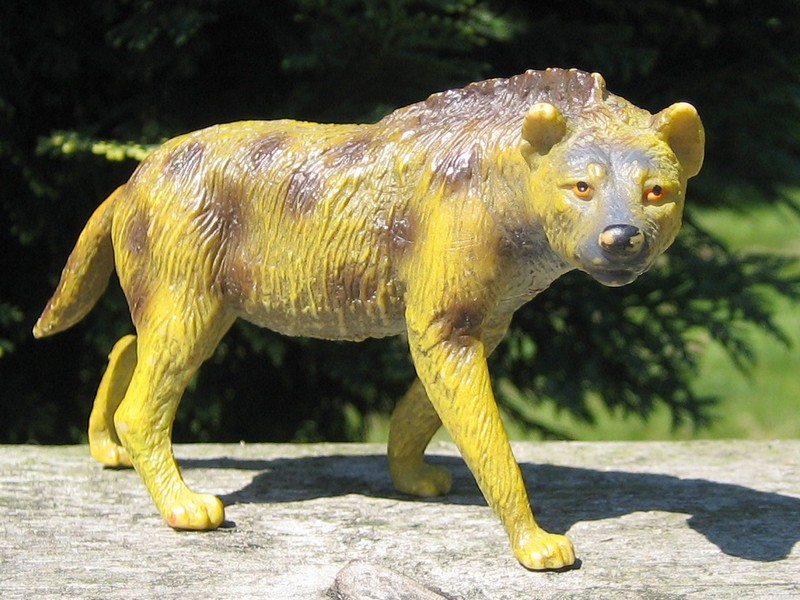Hyenas from Bullyland :-) Hyenas5
