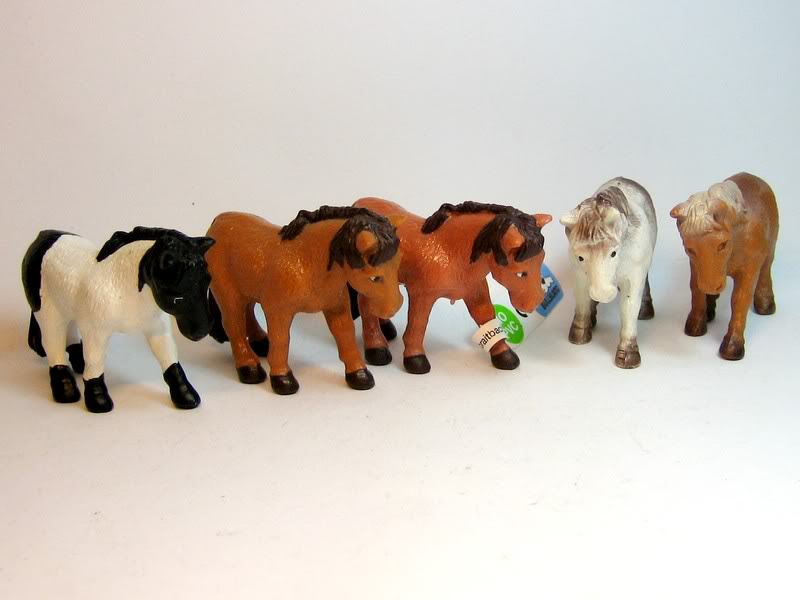 Some retired plants, birds, ponies and a few more oldies. Littleponies