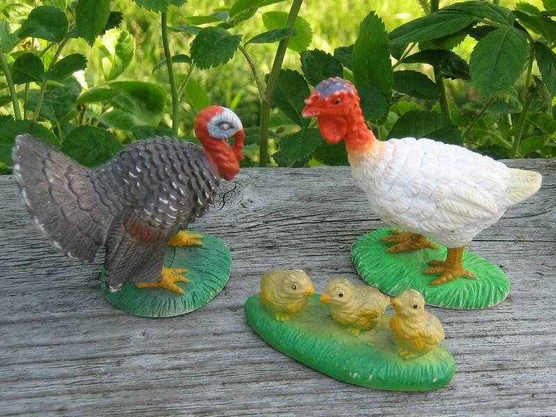 The turkeys from Bullyland, - at last I found the chickens :-) Turkey4