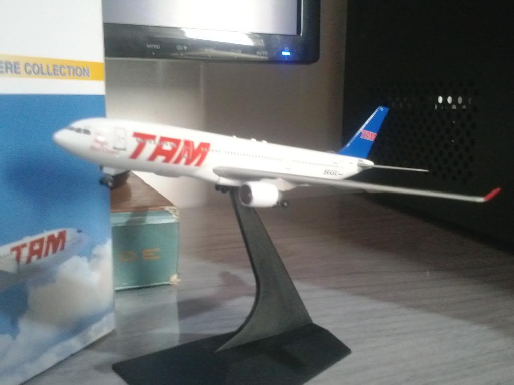 A330-232 TAM PT-MVD 1/400 CAM00057_zps8ea2e8b4