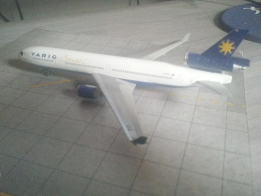 Dragon Wings MD-11 VARIG 1/400 CAM00213_zpsed0e1651
