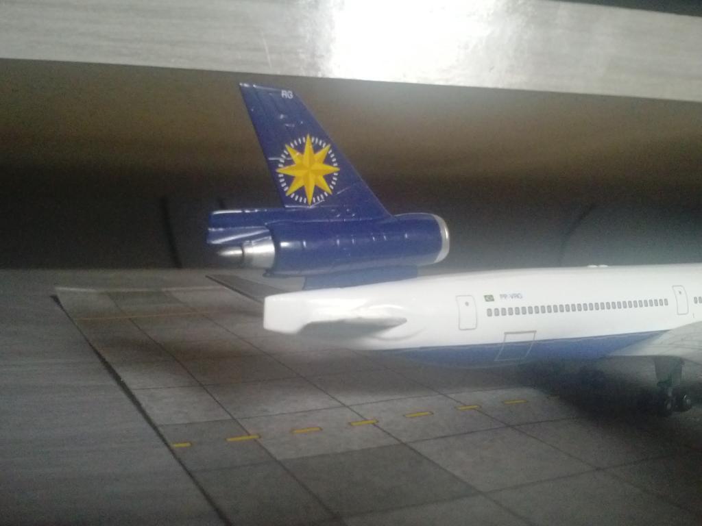Dragon Wings MD-11 VARIG 1/400 CAM00214_zps0a5c5b5c