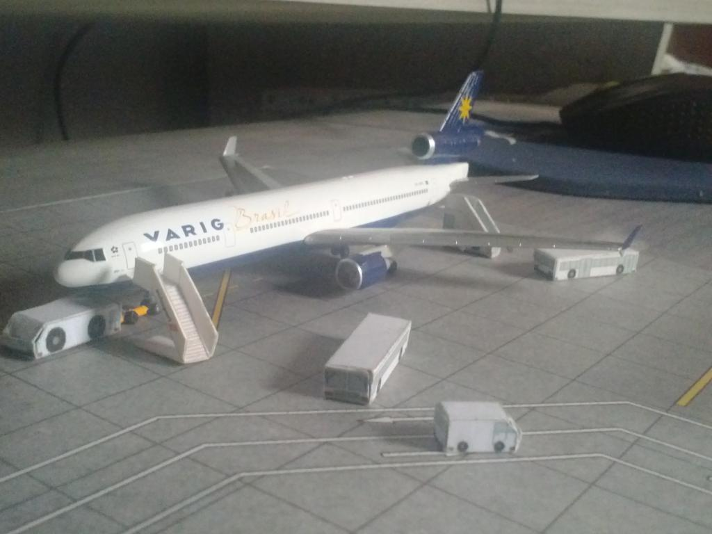 Dragon Wings MD-11 VARIG 1/400 CAM00218_zpsba4a5b81