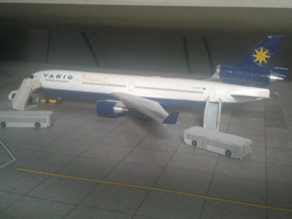 Dragon Wings MD-11 VARIG 1/400 CAM00219_zps07aae2d5