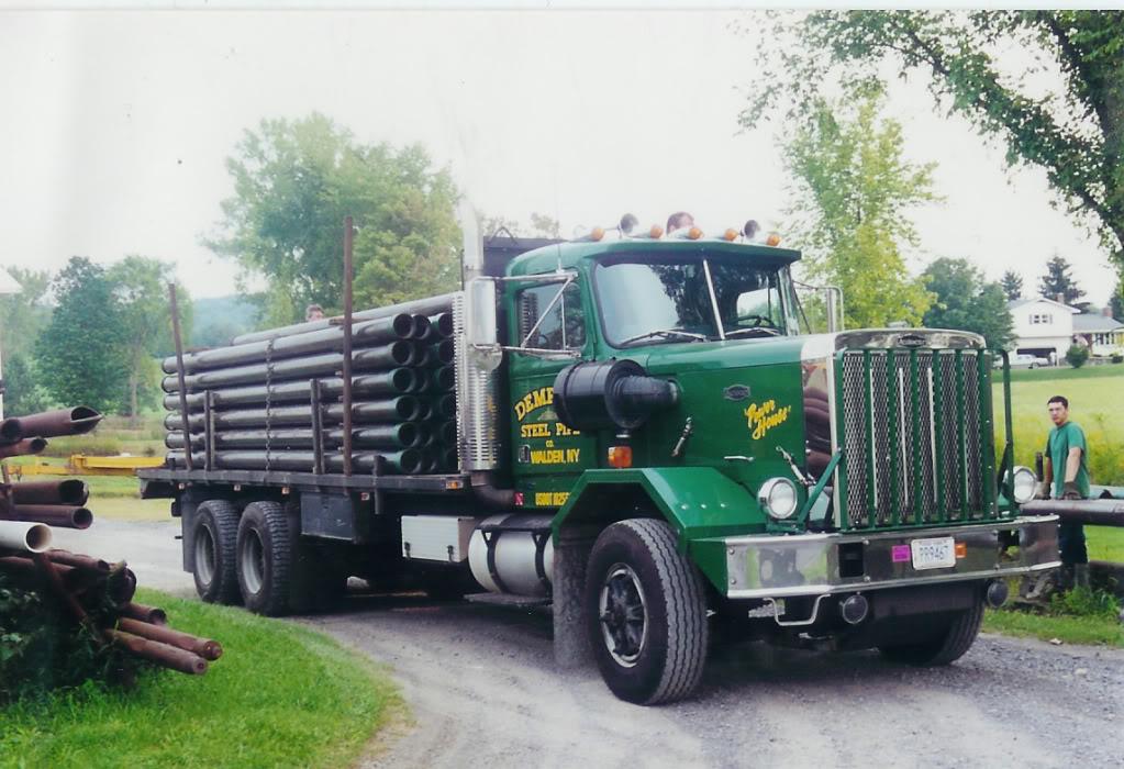 La Capsula del Tiempo (Camiones AUTOCAR) AutocarLoadedandReady
