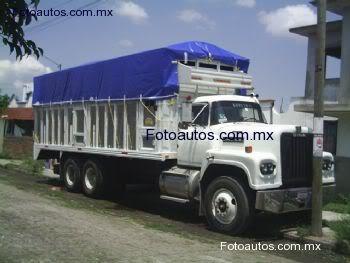 La Capsula del Tiempo (Camiones DINA) Chi_s