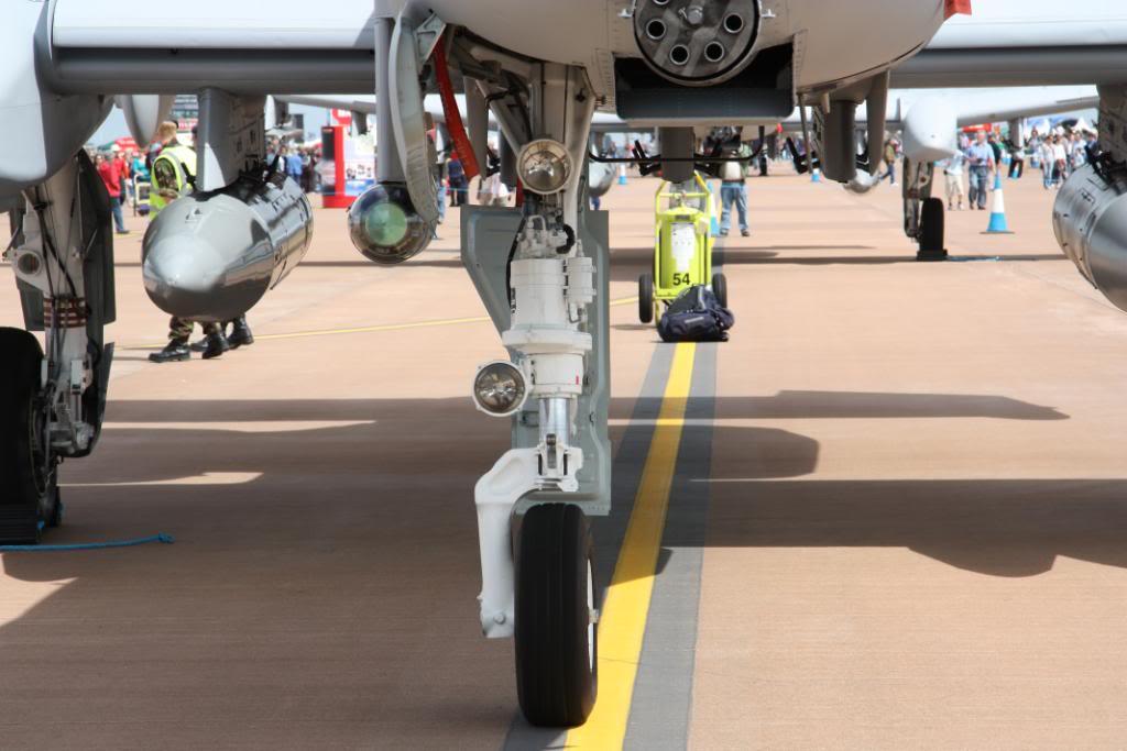 A-10a Thunderbolt II 47th fighter Sqd   Italeri 1-48 IMG_2971