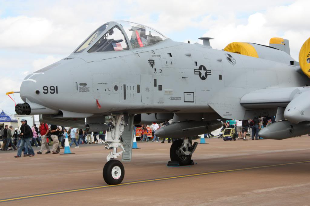 A-10a Thunderbolt II 47th fighter Sqd   Italeri 1-48 IMG_2975