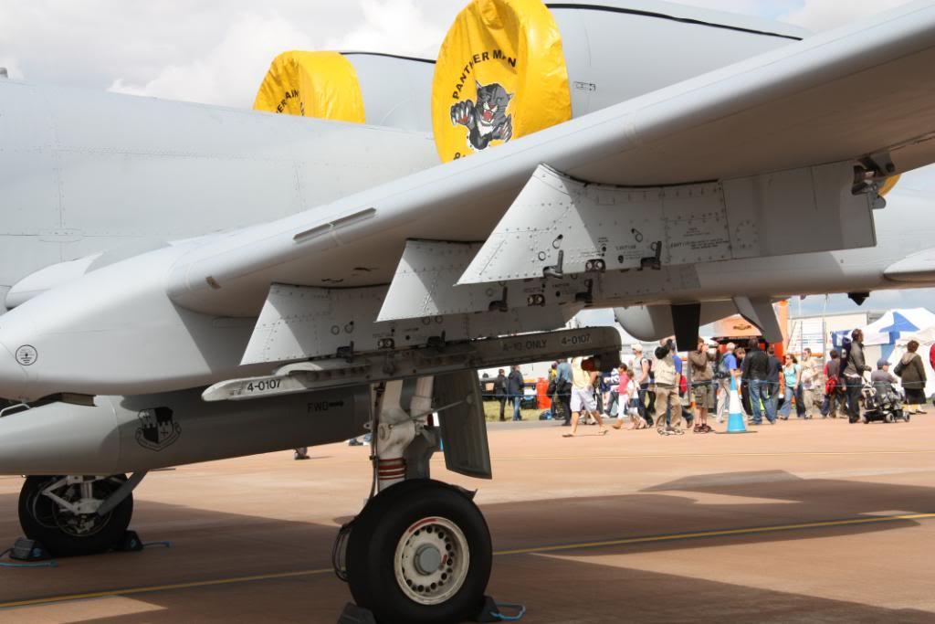 A-10a Thunderbolt II 47th fighter Sqd   Italeri 1-48 IMG_2980