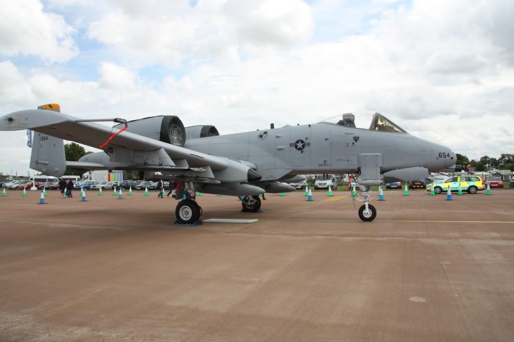 A-10a Thunderbolt II 47th fighter Sqd   Italeri 1-48 IMG_2987