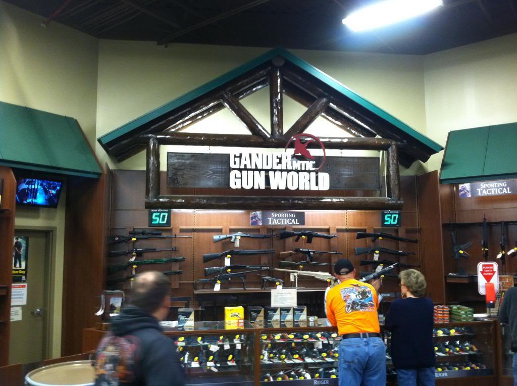 Gander Mountain grand opening, Auburn, Alabama GANDERGUNCORNER