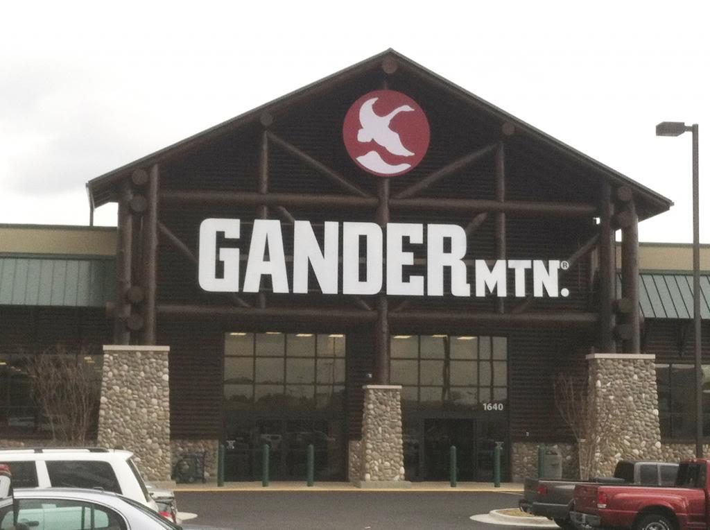 Gander Mountain grand opening, Auburn, Alabama GANDERMNTOUTSIDE