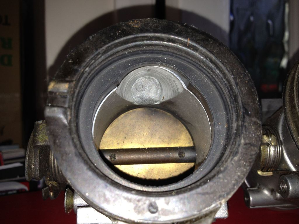 Gsxr 750 throttle bodies IMG_0240