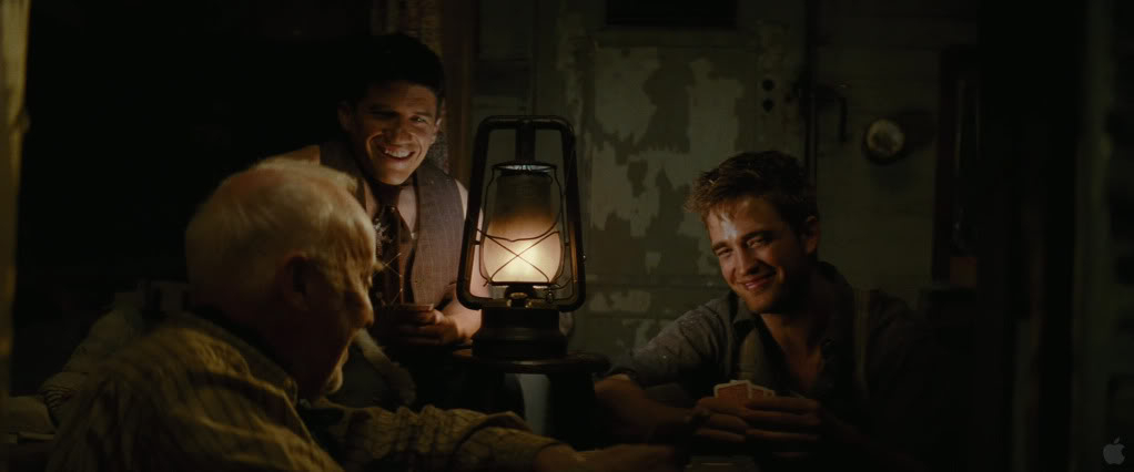 Water For Elephants galery - Page 2 Pattinsonlife709